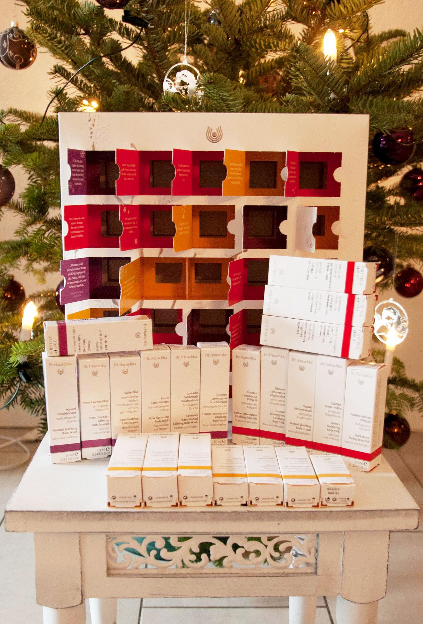 frohe weihnachten und mein dr hauschka adventskalender. Black Bedroom Furniture Sets. Home Design Ideas